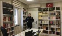 Fatsa Emniyet Müdürü, makam odasını kütüphaneye çevirdi